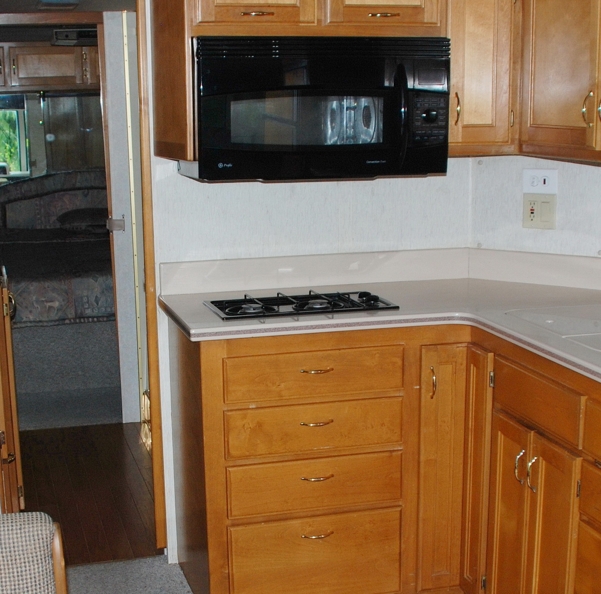 Celtic Safari Galley Stove Wont Stay Lit 1996 Sahara Rv Wiring Diagram Our 3530 Came With A Seaward Princess 2273 Two Burner These Stoves Have Safety Feature Built Into The Gas Valve For Each
