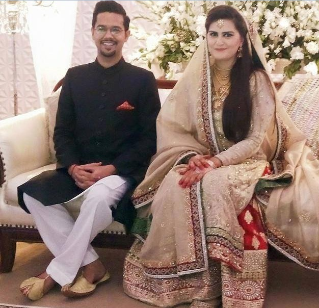 Singer Of The Most Famous Song Saain To Wadera Ka Beta And More Por Songs Ali Gul Pir Is Got Married Here Are Pictures