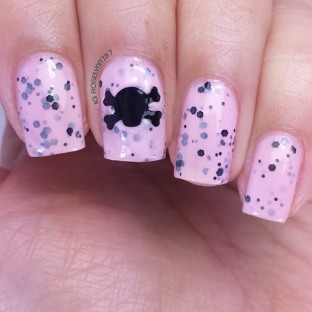 Loki's Nail Vinyls - Skull and Crossbones Nail Vinyls