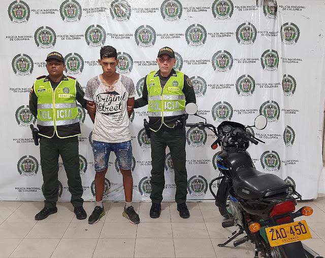 En el barrio Panamá venezolano tumbó a un hombre de la moto para robarsela