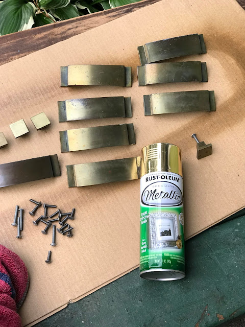 VINTAGE MCM HARDWARE GIVEN A MAKEOVER WITH SPRAY PAINT