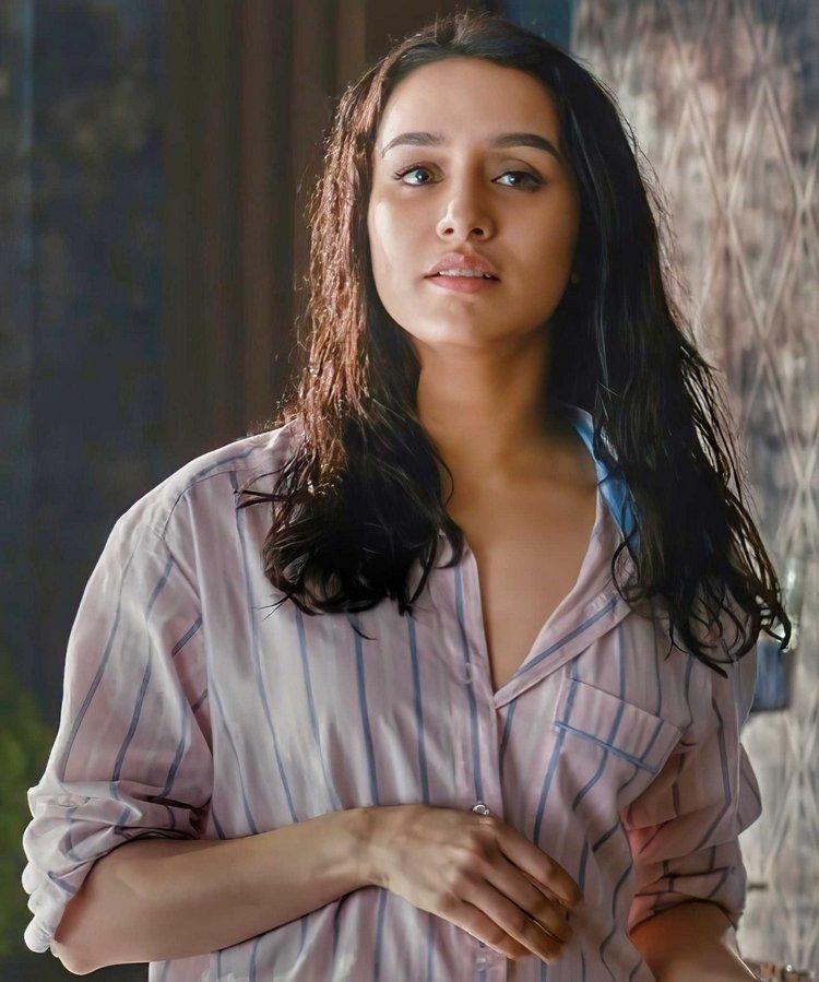 Surprised to see Shraddha Kapoor's sensual look