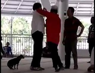 Perempuan-bawa-anjing-ke-masjid