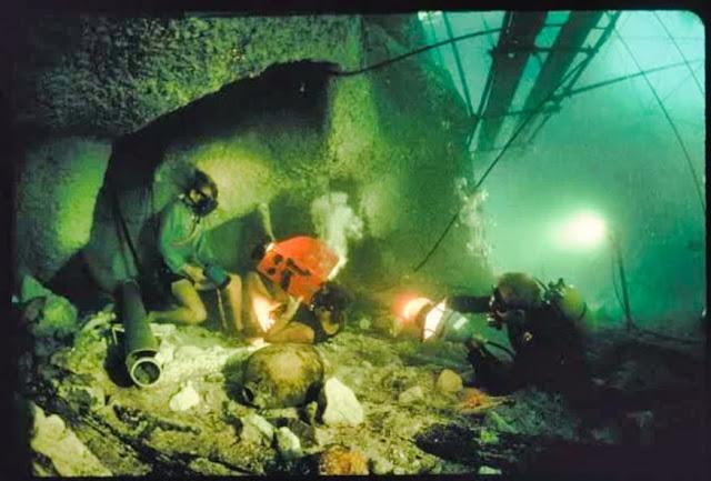 Filming at the BUS (Biggest Underwater Set) in Bermuda, 1976