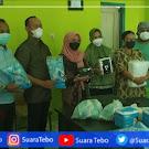 Anggota DPR RI Hj. Saniatul Lativa, Serahkan Bantuan Alkes Ke Pemda Tebo, RSUD Tebo Langsung Terima Alkes Dari Bupati Dr. Sukandar