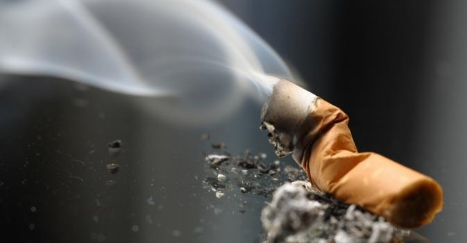 Harga Rokok Mahal, Perokok Beralih Menggunakan Rokok Elektrik