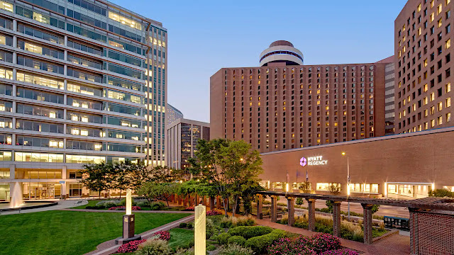 Beautifully designed and refined, Hyatt Regency is a contemporary downtown Indianapolis hotel conveniently connected to the Convention Center and just steps from Lucas Oil Stadium.