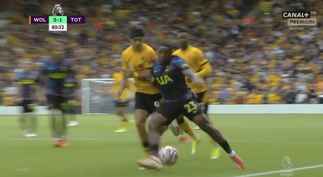 Tottenham winger Steven Bergwijn skill vs Wolves