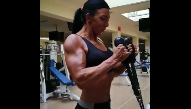 Video More Training Volume for More Hypertrophy and Strength female Bodybuilders Larisa Khul