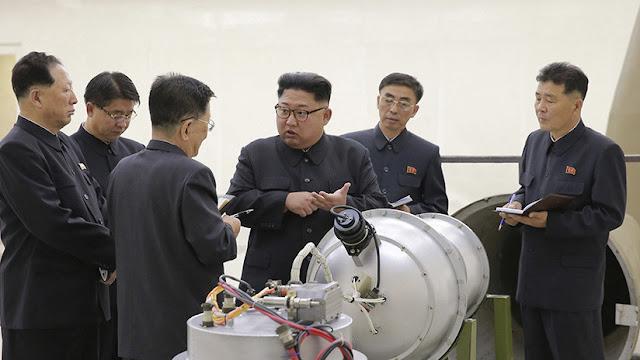 Putin revela que Kim Jong-il le contó a principios de los años 2000 que tenía una bomba atómica