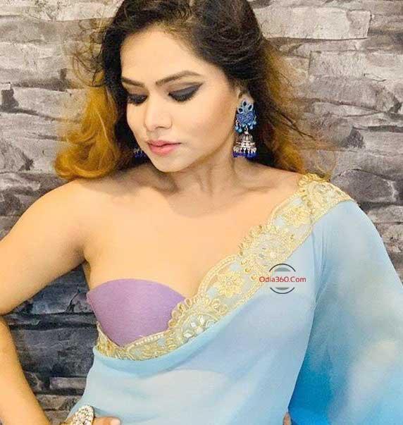 Odia Hot Actress Chhandita Padhi Stunning Hot Photoshoot in Saree