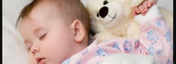 bayi usia 6 bulan tidur