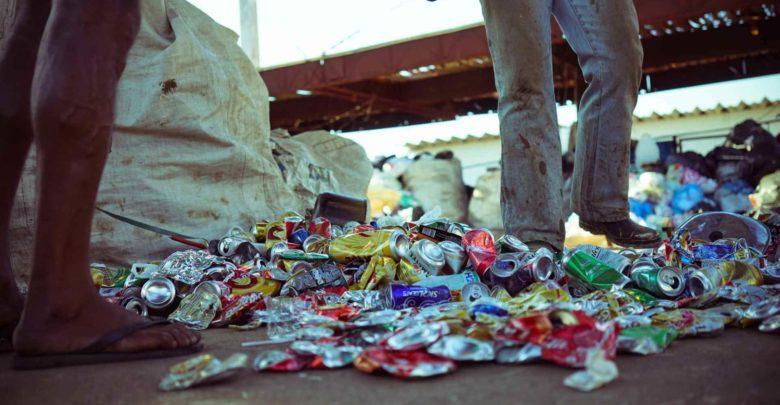 Que governo que nada! 90% do lixo reciclado no Brasil é graças aos catadores