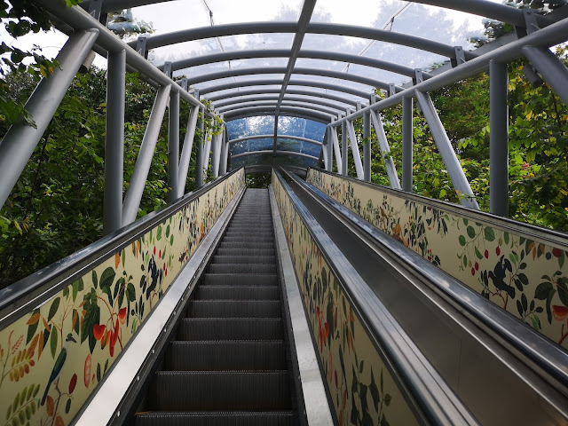 escalator to fort canning