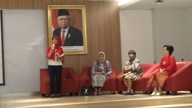 Talkshow Kepemimpinan Perempuan dan Mearawat Kebinekaan yang menghadirkan Prof.Dr. Musdah Mulia (Ketua Umum Yayasan Indonesia Conference on Religion an Peace dan Hermien Kleden (Jurnalis senior dan mentor) (dok.windhu)