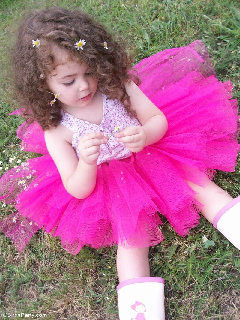 DIY No-Sew Tutu Skirt Tutorial - BirdsParty.com