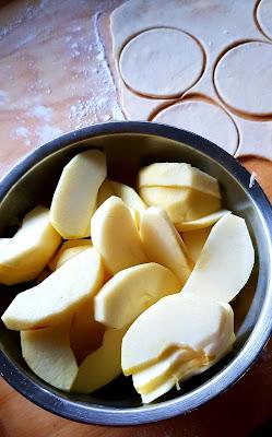 ciastka, deser, jablka, ser, twarog, bernika, kulinarny pamietnik, ciasto