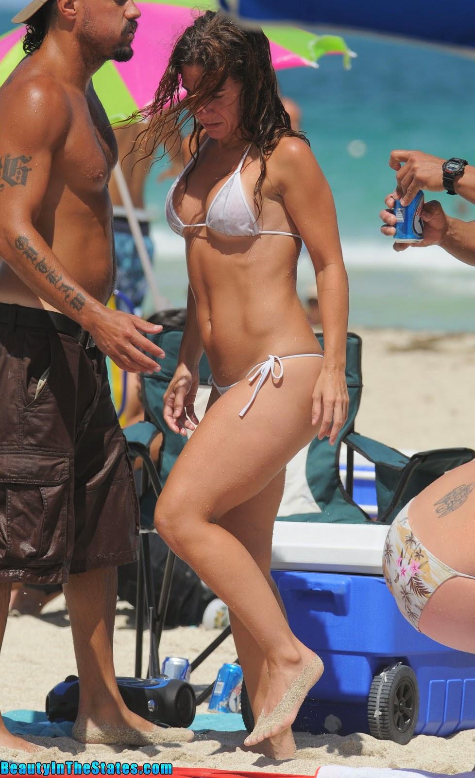 Chicas en bikini de cuerda