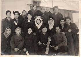 Οι γονείς και οι συγγενείς του στην εξορία του Καζακστάν.