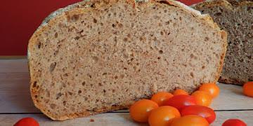 Chleb pszenno - orkiszowy na zakwasie żytnim pieczony w garnku żeliwnym