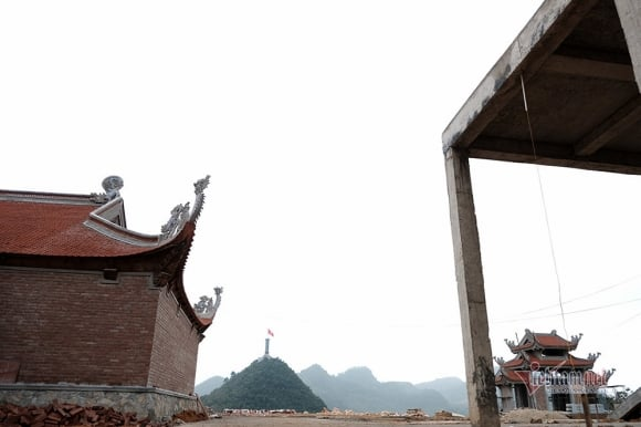 Ngổn ngang công trường phá núi xây chùa Lũng Cú 800 tỷ: Khu du lịch tâm linh mới