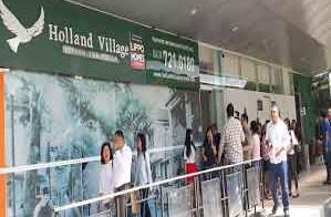 """Ratusan Konsumen """"Mengamuk"""" Ke Developer Holland Village"""