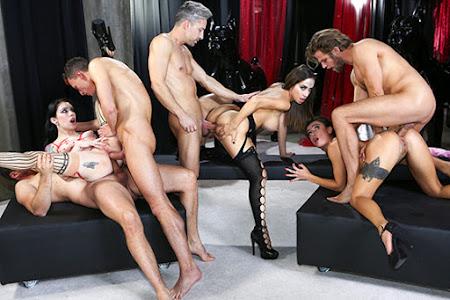[EvilAngel] Anna De Ville, Martina Smeraldi, Malena Nazionale (Rocco's Game Of Whores Scene 2: Orgy! / 01.20.2021)