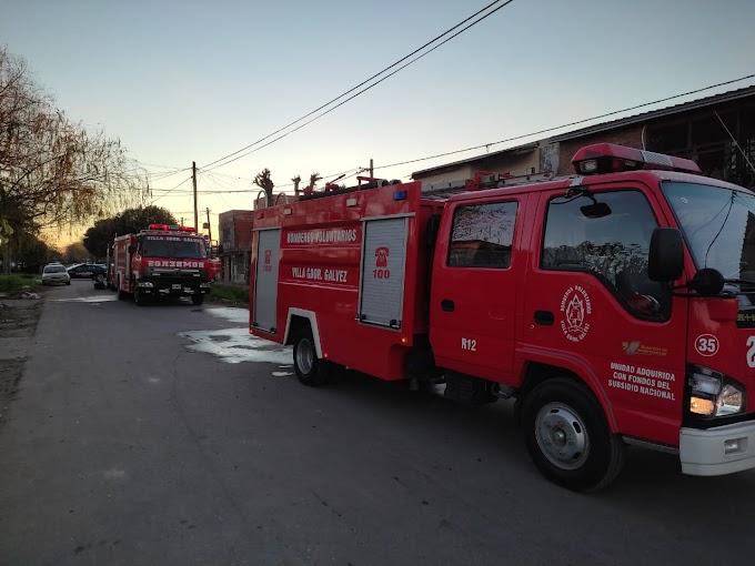 Se incendió una vivienda en calle Corrientes al 100 y perdieron todo