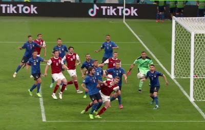 المنتخب,النمساوي,يغادر,بطولة,أوروبا,مرفوع,الرأس