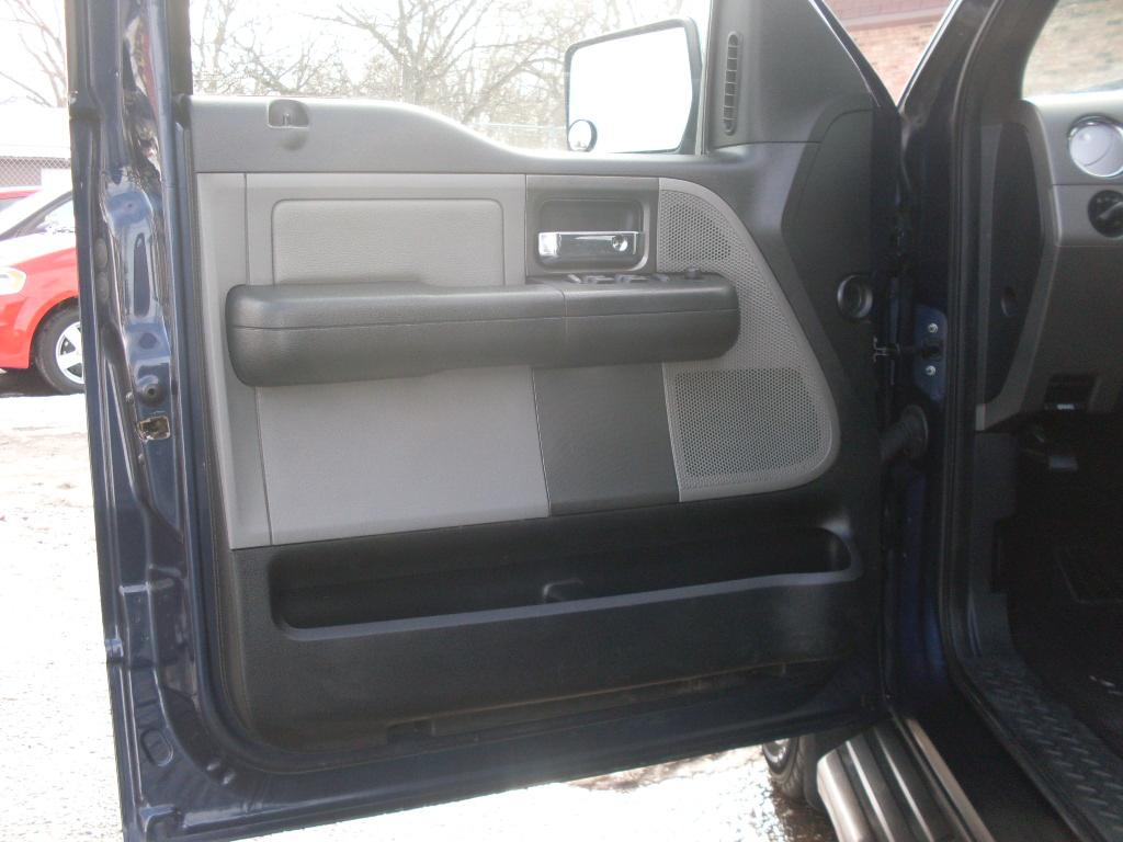 Ford F Dark Blue on Rocker Panels 2001 Hyundai Elantra