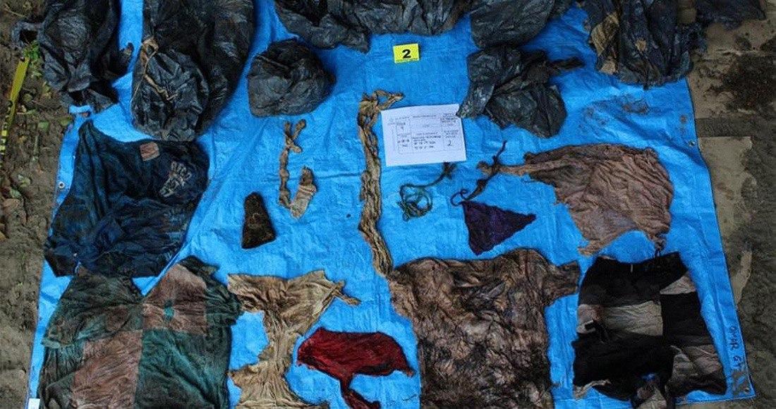 Hay ropa de bebés en las fosas de Veracruz; familiares identifican hasta mamelucos y trajecitos