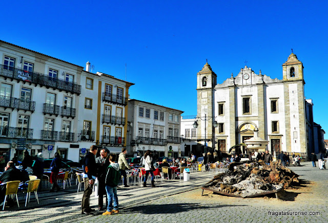 Largo do Giraldo, Évora, Portugal