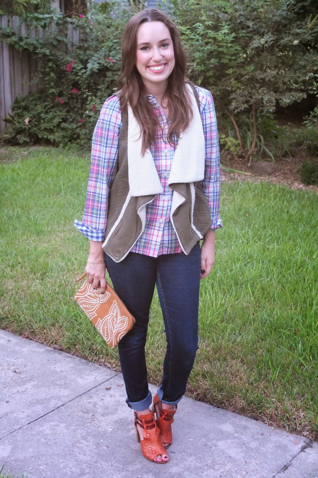 Boden The Shirt, Boden the Shirt Red Check, Boden The Shirt Plaid, Boden Plaid Shirt, Anthropologie Green Vest, Anthropologie Leather Clutch, Trendy in Texas