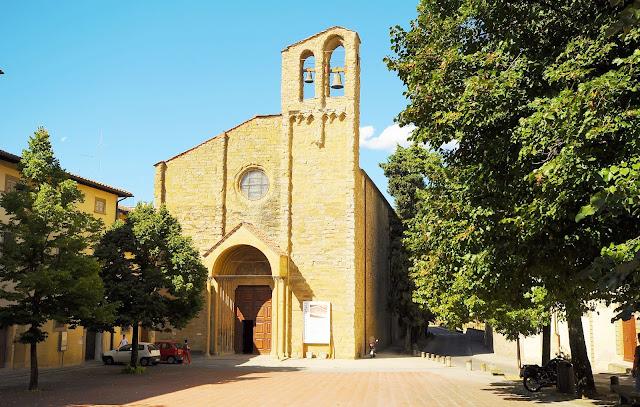 Basílica de Santo Domingo en Arezzo, Toscana