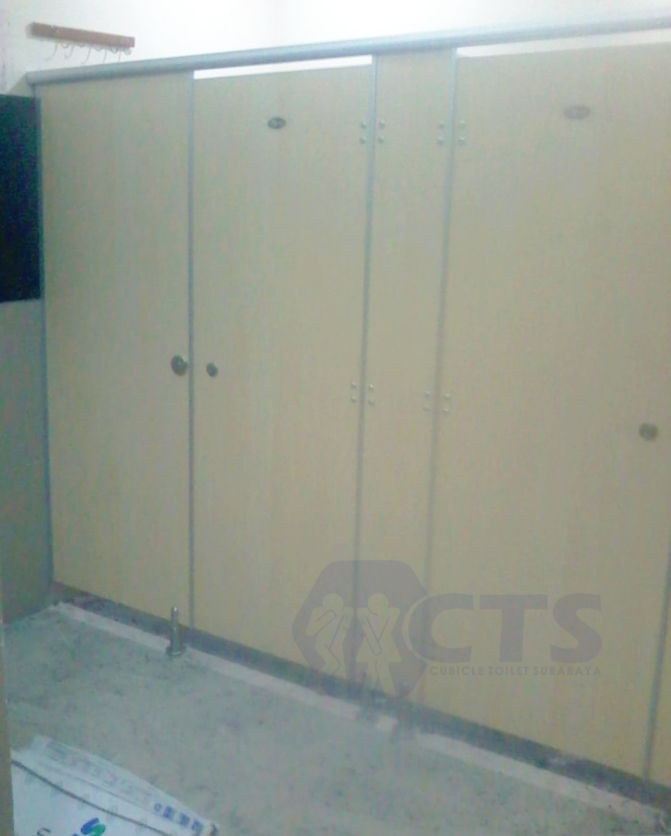 Cubicle Toilet Kampus B Unair Surabaya