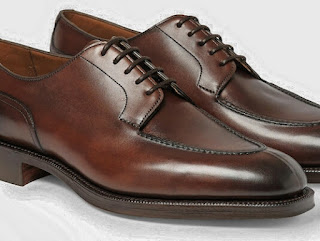 Men's Derby Shoes, derby, DERBY, COMPLETE GUIDE TO MALE DRESS SHOES, Complete Guide To Men's Dress Shoes - Teaching Men's Lifestyle, Types,Male Shoes,Style Tips,Personal Care,Fashion,Well Dressed,Shoe,Differences,Male Fashion Tips,Men's Fashion & Style,How To Use,Fashion Advice,Style,Models,Latest,Men's Shoe,Look,Story,Tips, But there is a wild model that every man needs in the closet: the basic black leather, perfect for wearing with a suit.  DERBY.  Male Derby Shoe.  derby.  At first glance, Derby ...