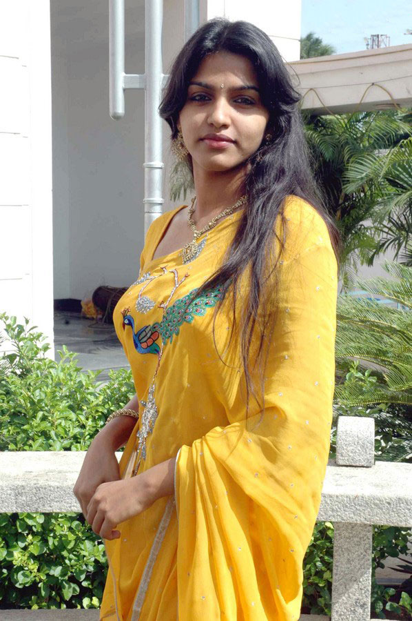 Saree Girl Nude