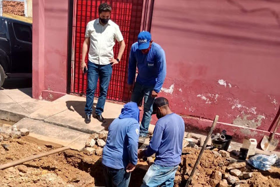 SAAE segue com troca de canos na rua Coronel Eulálio Filho