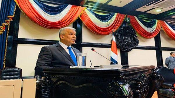 Ministro de la Presidencia de Costa Rica renuncia por escándalo