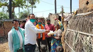 गड़खा में गरीबों के बीच राशन, मास्क, साबुन , हैंडवाश राहत सामग्री घर घर पहुचा रहे हैं: सुबीर