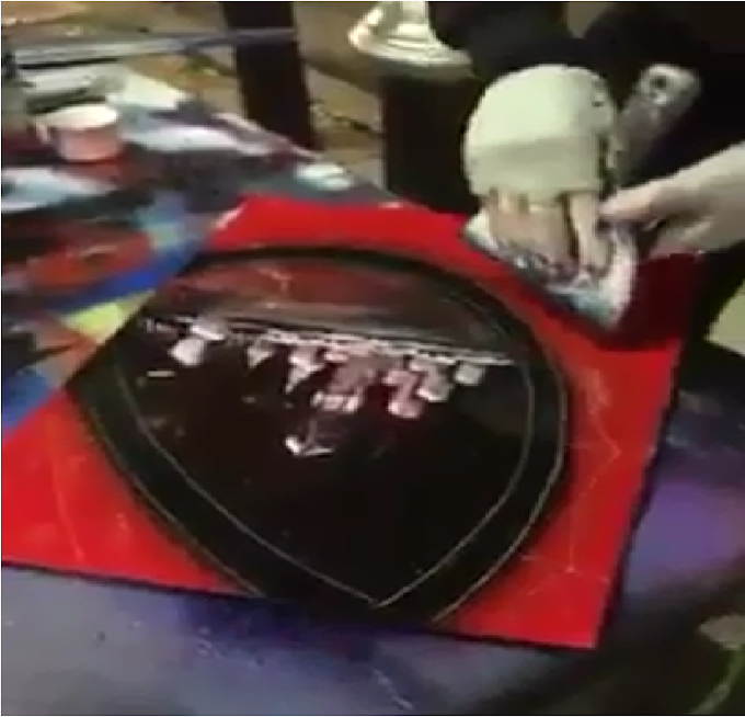 Amazing Hand Spray Painting