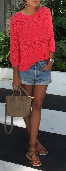 cute summer outfit: top + shorts + bag