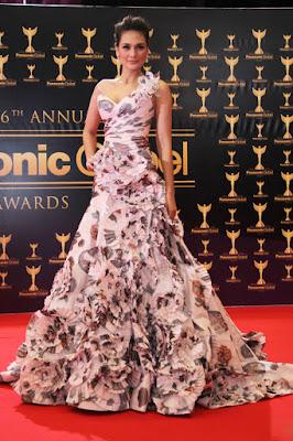 artis cantik luna maya pakai gaun super manis dan cantik