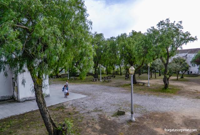 Esplanada do Castelo de Montemor-o-Novo, hoje um parque público