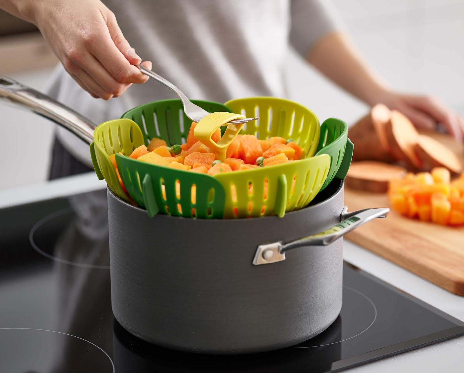 Bloom™ Folding Steamer Basket