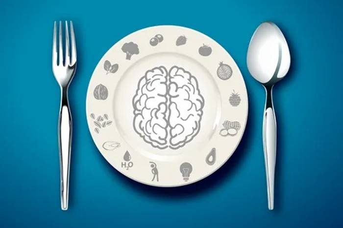 7 Foods that harm your brain