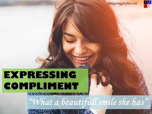 Materi Expressing Compliment dan Contoh Dialog Lengkapnya