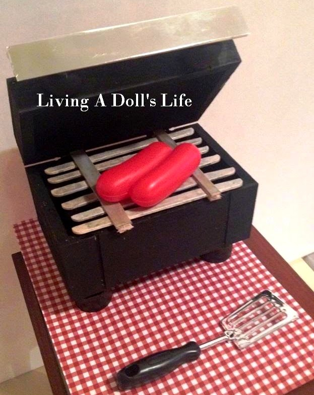 http://livingadollslife.blogspot.com/2014/05/diy-table-top-bbq-grill.html