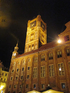 http://www.torun.pl/pl/turystyka/zwiedzanie-miasta/zabytki/ratusz-staromiejski