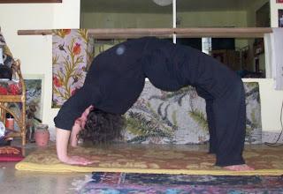 sadhana el sendero del yoga chakrasana la rueda o